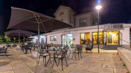 Café KAFFEEFAHRT im Bahnhof Neu-Isenburg.09.2020.2
