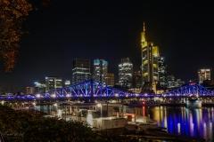 illuminierter Eiserner Steg zur 150 Jahr Feier