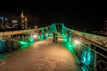 illuminierter Eiserner Steg